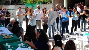 Arroyo anunció junto al intendente la llegada de las tarjetas alimentarias al municipio