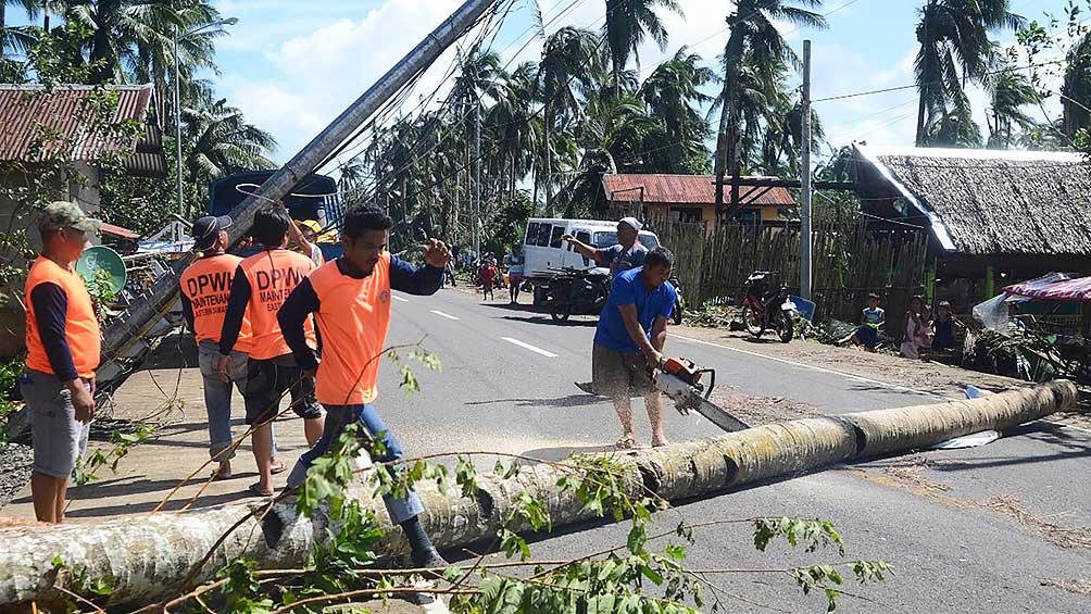 Al menos 16 muertos por el paso del tifón Phanfone