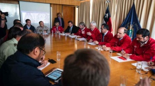 Piñera presentó un plan de recuperación para familias afectadas por el incendio en Valparaíso