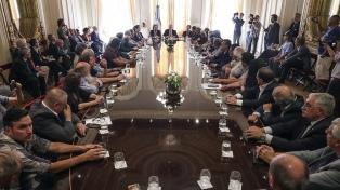 Fernández firmó un acuerdo multisectorial con empresarios y sindicalistas