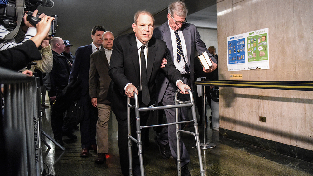 Trasladan a Harvey Weinstein a prisión tras un procedimiento cardíaco