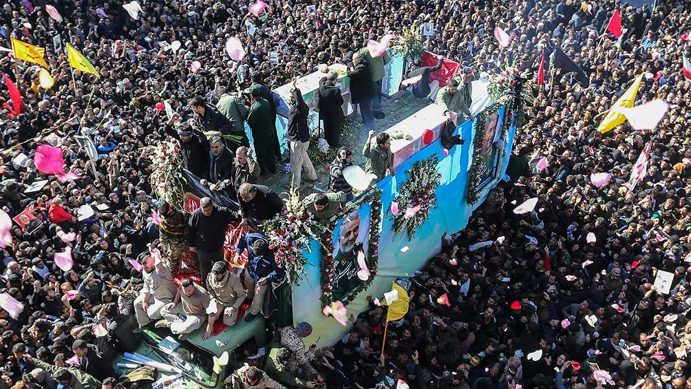 Al menos 50 muertos y centenares de heridos en una estampida durante el funeral de Soleimani
