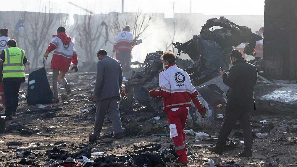 Los investigadores afirman que el avión sufrió un incendio antes de caer
