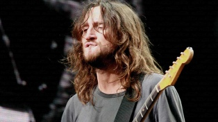 En mayo regresa a los escenarios John Frusciante con los Red Hot Chili Peppers