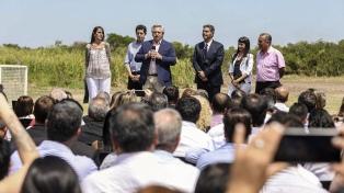 """Fernández: """"Tener una casa digna donde criar a nuestros hijos es un derecho humano"""""""