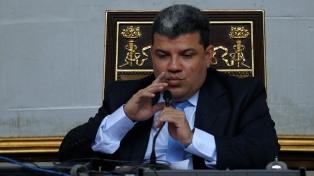 El jefe del parlamento disidente reconoció a Maduro y no aclaró quiénes lo votaron