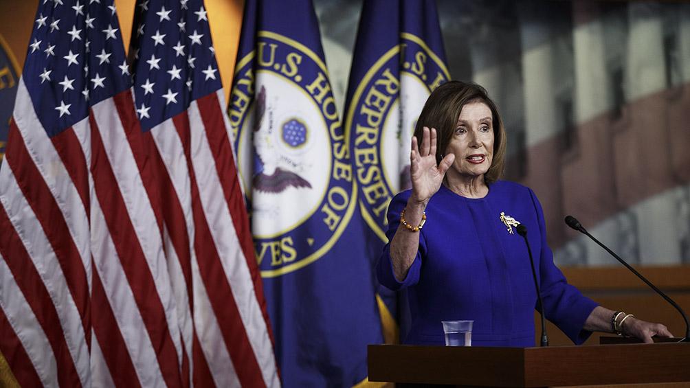 Pelosi anuncia los legisladores que serán los fiscales en el juicio a Trump