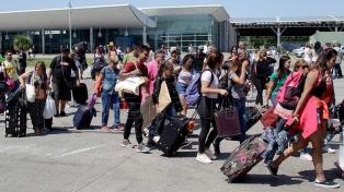 Maleteros bloquean acceso a la terminal de micros de Mar del Plata