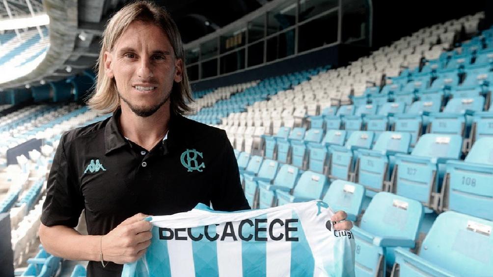 Beccacece paró el probable equipo para enfrentar a Atlético Tucumán
