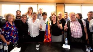 """Evo Morales fue recibido en Camioneros por Pablo Moyano que le brindó """"un total apoyo"""""""