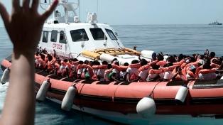 Rescataron a 39 migrantes frente a las costas libias