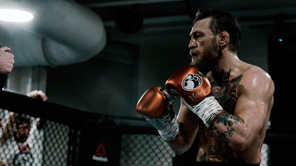 McGregor volvió a las MMA con un veloz nocaut técnico