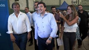 Arroyo encabezó la primera entrega de las tarjetas AlimentAR en Buenos Aires
