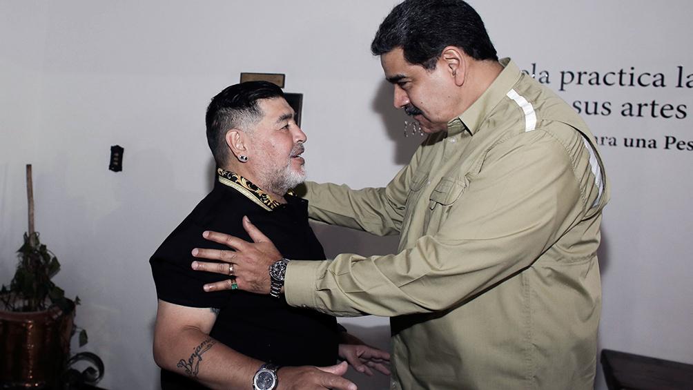 Diego Maradona fue recibido por el presidente venezolano Nicolás Maduro