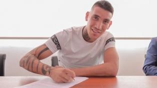 Ricardo Centurión firmó contrato a préstamo con Vélez Sarfield