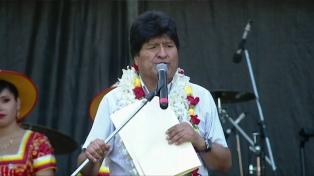Evo Morales reivindicó sus 14 años de gobierno ante una multitud de compatriotas