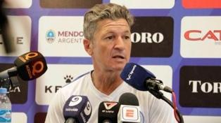 """""""A River no se le puede jugar de igual a igual"""", aseguró Sciacqua, DT de Godoy Cruz"""