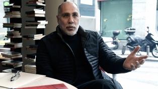 El escritor y guionista mexicano Guillermo Arriaga es el ganador del Premio Alfaguara de Novela