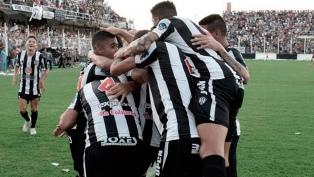 Central Córdoba y Banfield, un duelo con la mirada en los promedios