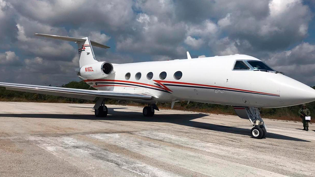 Secuestran una tonelada de cocaína en un jet privado que partió de Argentina y aterrizó en México