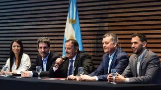 El gobernador de La Rioja, Ricardo Quintela, en la presentación en el CCK.