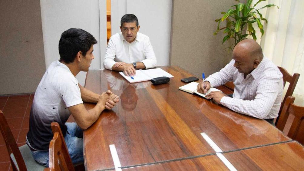 El intendente de General Alvear le dio empleo en el municipio al albañil que devolvió $250.000