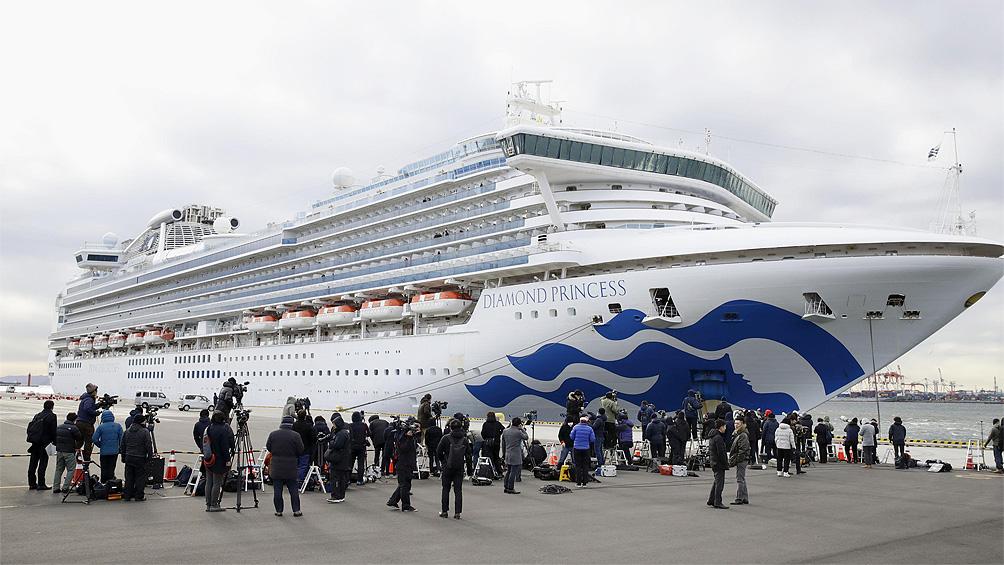 Cinco argentinos ya bajaron del Diamond Princess y quedan dos a bordo, que son tripulantes