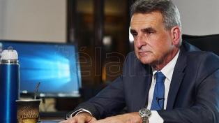 Rossi buscará potenciar el desarrollo del avión Pampa con material artillado