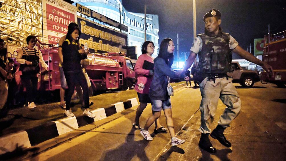 Suman 27 los fallecidos por la matanza en un centro comercial en Tailandia