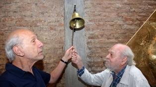 """""""Solo queda rezar"""", de Tito y Mariano Cossa, filosofía entre mundos diferentes"""