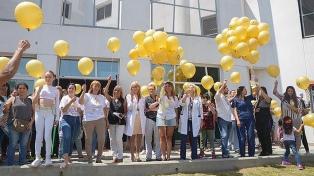 La ciudad se ilumina de amarillo por el Día Internacional del Cáncer Infantil