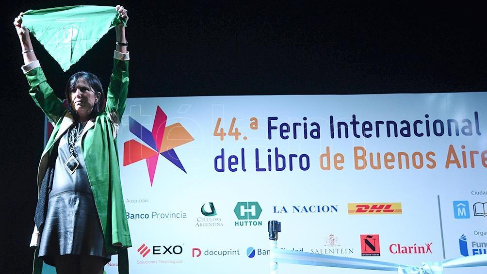 CLAUDIA PIÑEIRO, EN LA FERIA DEL LIBRO 2018
