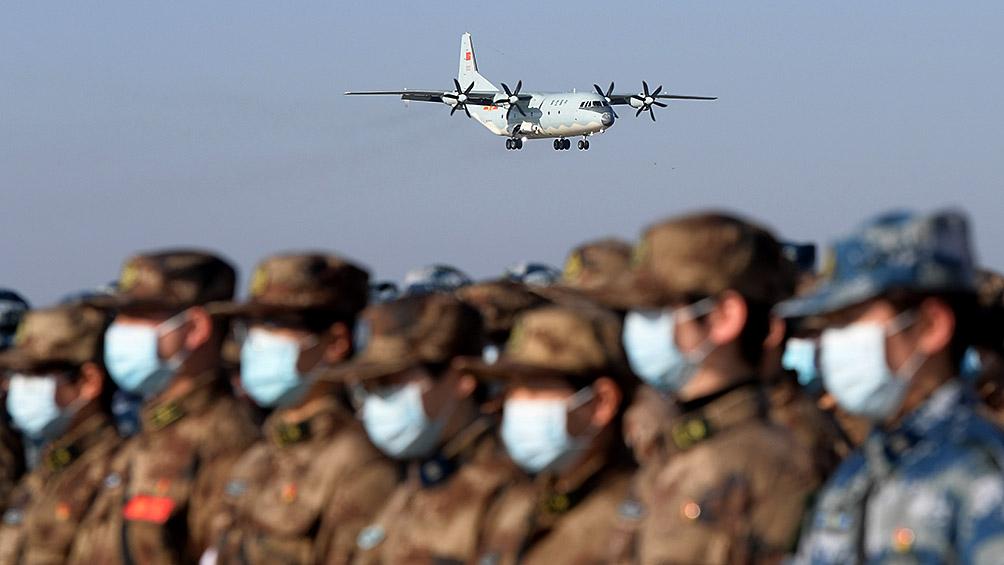 Refuerzan la seguridad de los evacuados de Wuhan tras violentos incidentes