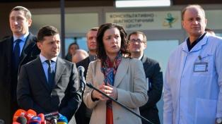 """La ministra de Salud de Ucrania """"está conviviendo"""" con los 8 argentinos y otros evacuados"""