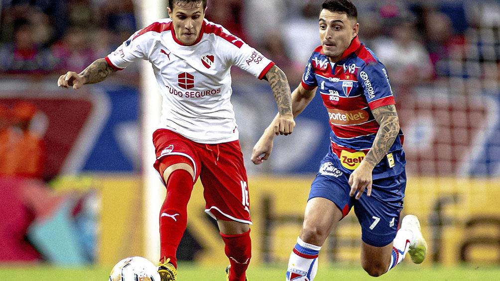 Independiente avanzó en la Copa por un gol agónico pese a caer en Brasil