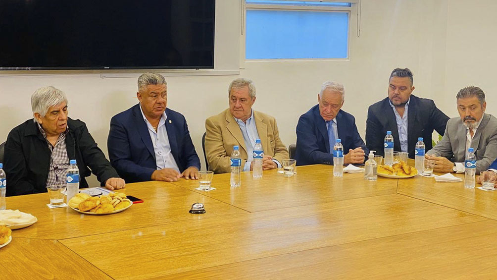 La dirigencia del fútbol argentino trabaja en el proyecto para disolver la Superliga