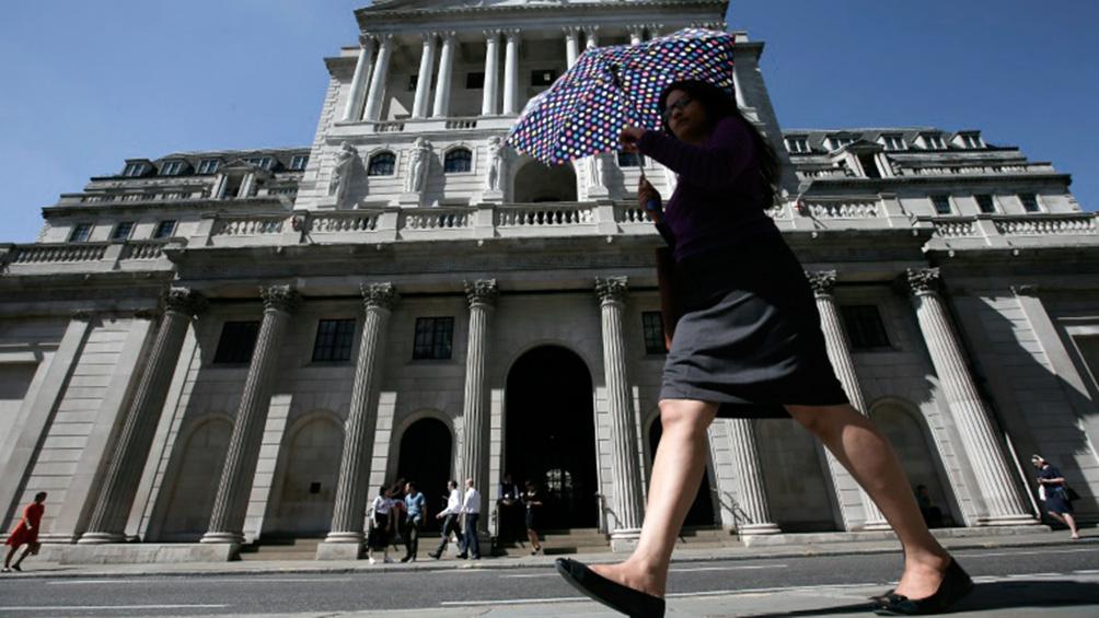 El Banco de Inglaterra recorta la tasa de interés al 0,25%