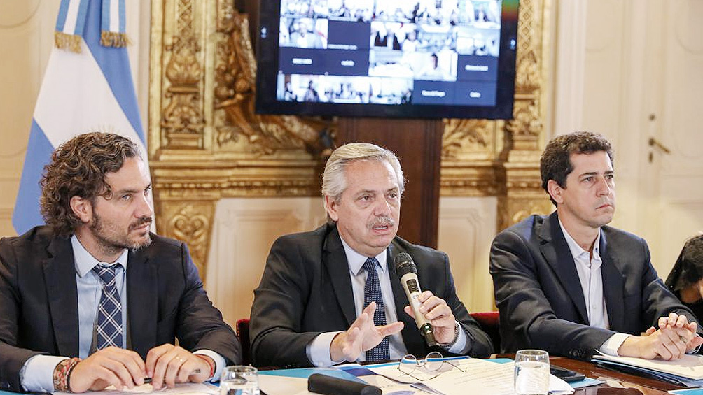 El Presidente encabeza una nueva reunión con ministros y especialistas por el coronavirus
