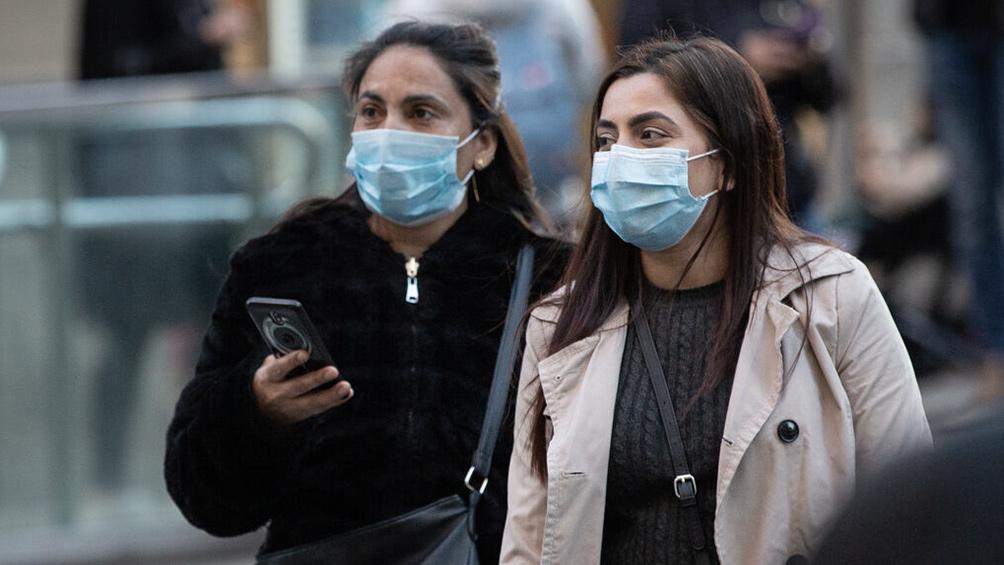 El coronavirus durará por lo menos un año y se cree que 80% de la población lo contraerá