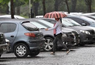 Rigen alertas por tormentas en la ciudad de Buenos Aires, el Conurbano y seis provincias