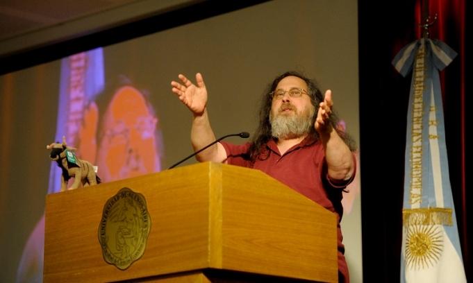 Stallman elogi? el uso de Sofware Libre en la Administraci?n P?blica