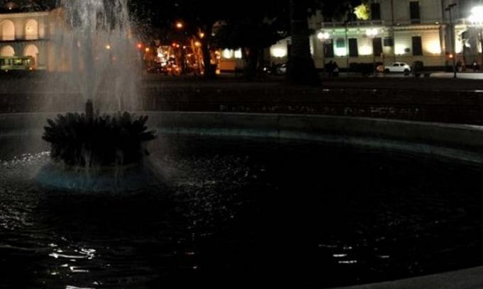 Cortan la luz a monumentos y plazas por una deuda de $60 millones del gobierno porte�o