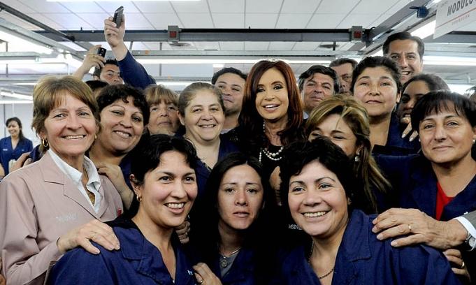 """""""Jam�s tomar� una decisi�n que elimine un s�lo puesto de trabajo"""", afirm� Cristina"""