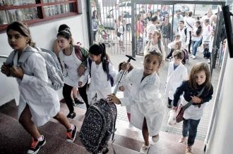 Los docentes aseguran que el acuerdo aún está lejos y volverán a reunirse el lunes