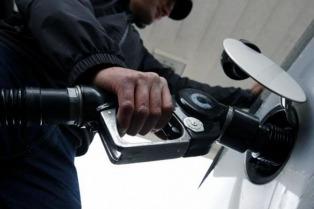 """Aranguren ve """"alta probabilidad"""" de que los combustibles aumenten un 8%"""