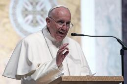 El Papa expresó su dolor y pidió rezar por las víctimas
