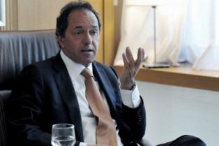 Allanamientos en aeroparque por supuestos vuelos del ex gobernador Scioli