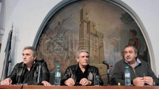 """""""Saldrá una movilización"""" de la reunión de la CGT, dijo dirigente de la UTA"""