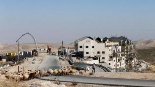 El ejército israelí mató a dos palestinos acusados de lanzar bombas