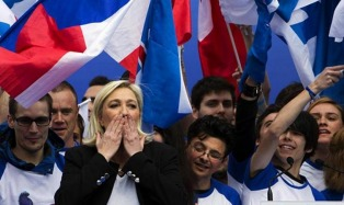 """Le Pen: """"Voy a proponer la gran alternativa, es hora de liberar al pueblo francés"""""""